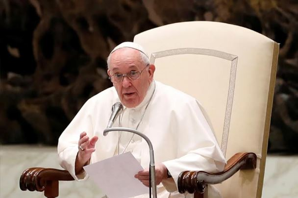 Pope Francis Backs Civil Unions for Gay Couples