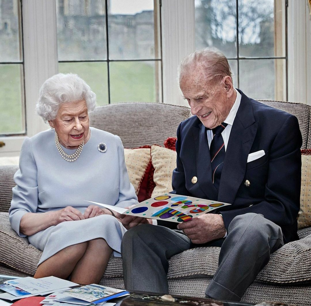 Queen Elizabeth and Prince Philip looked so in love as they celebrate 73rd wedding anniversary