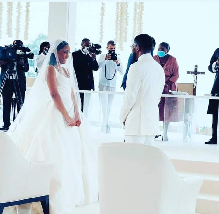 Mozambican designer, Eliana Murargy marries Pastor Obiang Mangue in a lavish wedding attended by top Nigerian signers.
