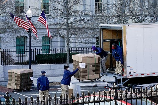 Movers seen at White House week ahead of Biden arrival