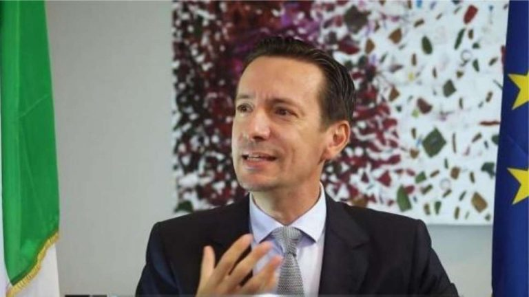 Luca Attanasio: Italian ambassador to DR Congo killed