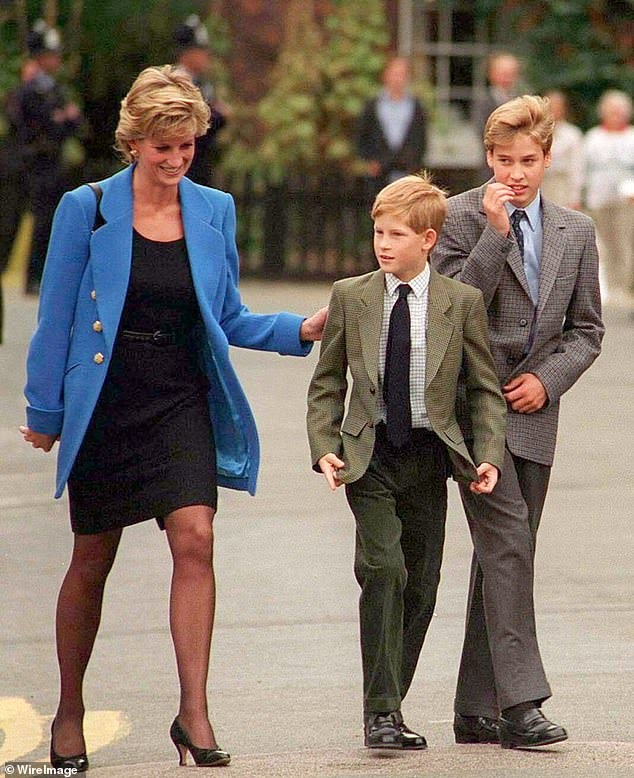 Harry arranged for flowers to be placed on Princess Diana's grave