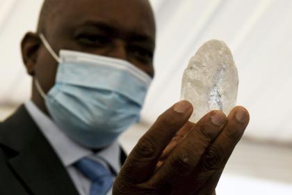 Botswana says found world's 'third largest' diamond