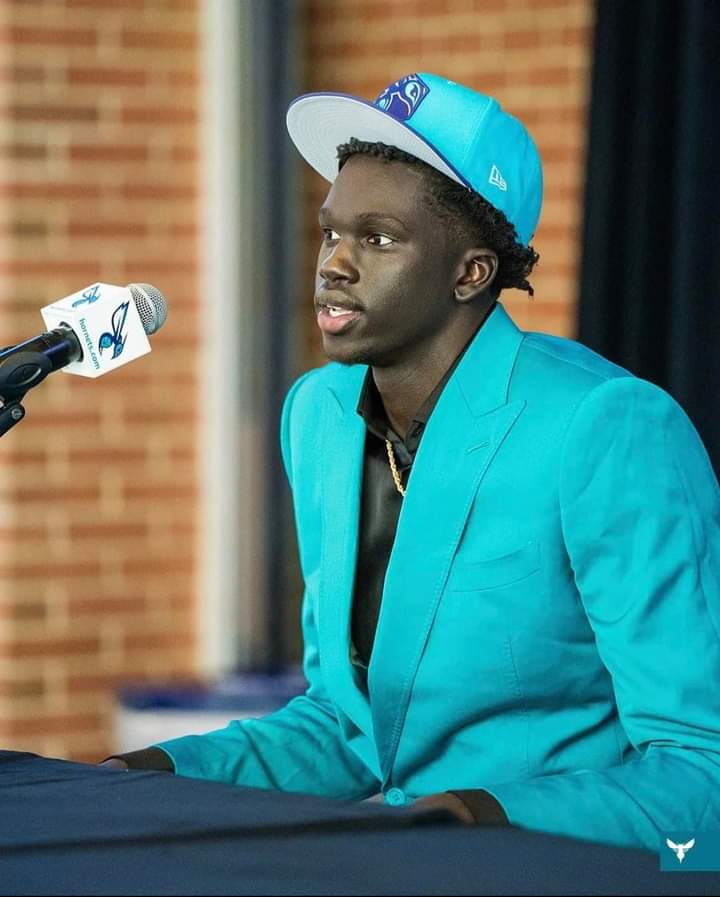 Charlotte Hornets pick JT Thor of Anchorage in 2nd round of NBA draft