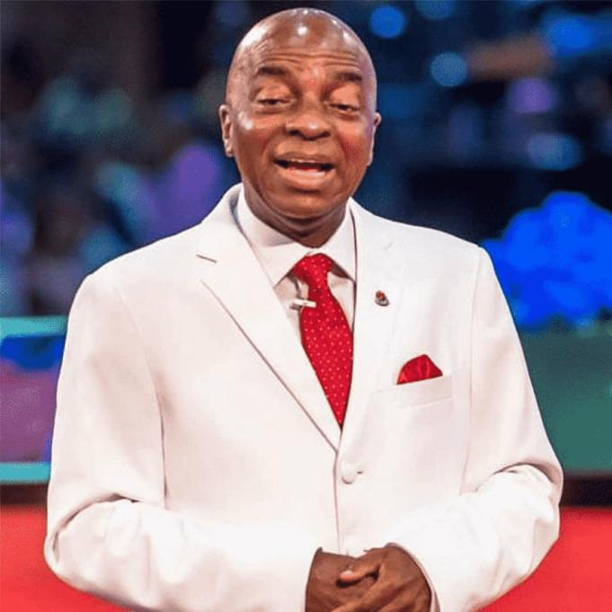 Bishop Oyedepo bans use of earphones in church